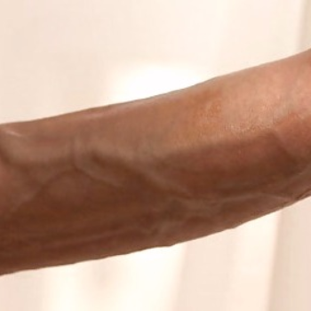 Фото статевого члена з маленькою, тонкою головкою