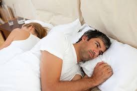 Мужчина и женщина в постеле